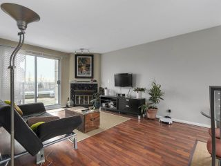 Photo 2: 2345 QUAYSIDE COURT in Vancouver: Fraserview VE Townhouse for sale (Vancouver East)  : MLS®# R2154138