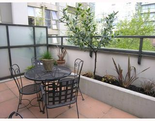 """Photo 10: TH17 969 RICHARDS Street in Vancouver: Downtown VW Townhouse for sale in """"MONDRIAN 2"""" (Vancouver West)  : MLS®# V706935"""