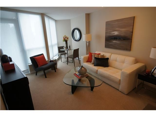 """Main Photo: # 904 833 SEYMOUR ST in Vancouver: Downtown VW Condo for sale in """"CAPITOL RESIDENCES"""" (Vancouver West)  : MLS®# V1022417"""