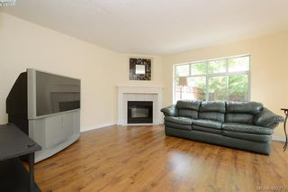 Photo 5: 100 710 Massie Dr in VICTORIA: La Langford Proper Row/Townhouse for sale (Langford)  : MLS®# 802610