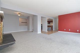 Photo 3: 303 1360 Esquimalt Rd in : Es Esquimalt Condo for sale (Esquimalt)  : MLS®# 887643