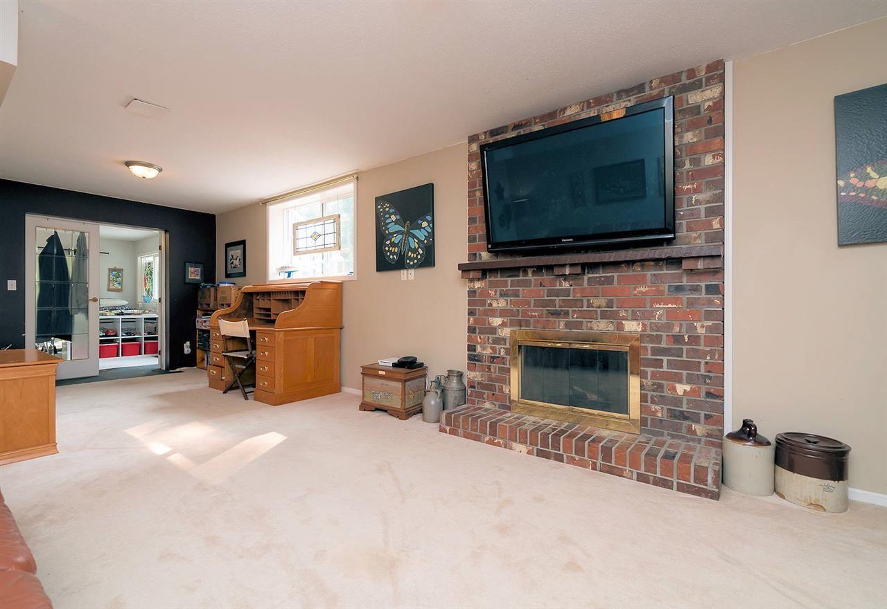"Photo 15: Photos: 28258 MYRTLE Avenue in Abbotsford: Bradner House for sale in ""BRADNER"" : MLS®# R2456494"