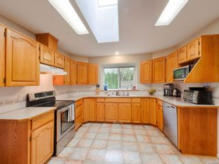 Photo 7: 688 Cambridge Dr in : CR Willow Point House for sale (Campbell River)  : MLS®# 859295