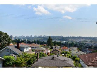 """Photo 7: 4 3828 PENDER Street in Burnaby: Vancouver Heights Townhouse for sale in """"""""The Heights"""""""" (Burnaby North)  : MLS®# V906615"""