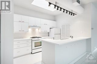 Photo 4: 144 CLARENCE STREET UNIT#8B in Ottawa: Condo for sale : MLS®# 1248178