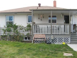 Photo 2: 316 SE Wade Avenue w in Penticton: Residential Detached for sale
