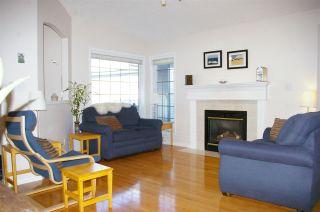 Photo 5: 10 9731 174 Street in Edmonton: Zone 20 House Half Duplex for sale : MLS®# E4236786