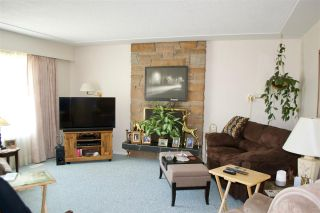 Photo 2: 1244 LIARD Drive in Prince George: Spruceland House for sale (PG City West (Zone 71))  : MLS®# R2372476