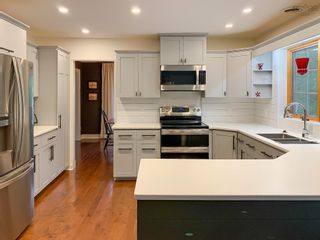 Photo 8: 137 Olympiad Avenue in Bridgewater: 405-Lunenburg County Residential for sale (South Shore)  : MLS®# 202122353