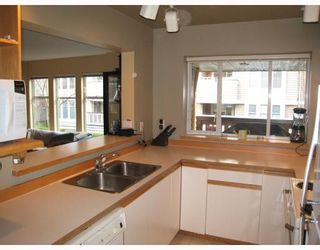 "Photo 8: E204 623 W 14TH Avenue in Vancouver: Fairview VW Condo for sale in ""CONNAUGHT ESTATES"" (Vancouver West)  : MLS®# V679414"