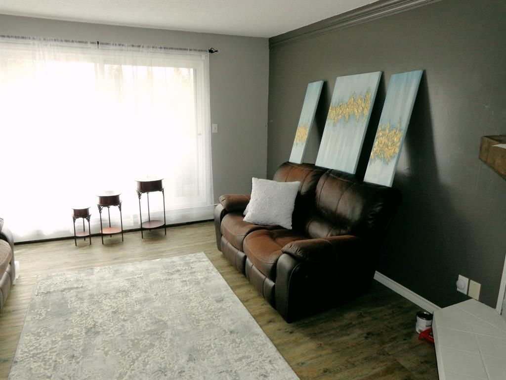 Photo 5: Photos: 301 5812 61 Street: Red Deer Apartment for sale : MLS®# A1063837