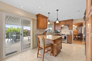 Photo 6: 818 DELESTRE Avenue in Coquitlam: Coquitlam West House for sale : MLS®# R2584831