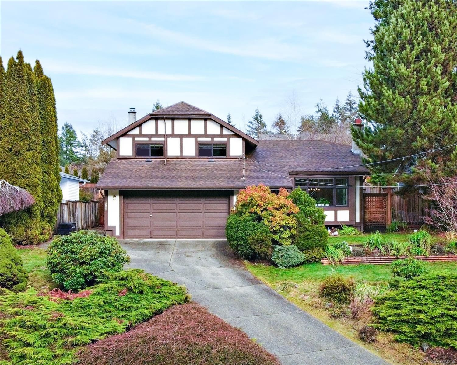 Main Photo: 4200 Ross Rd in : Na Uplands House for sale (Nanaimo)  : MLS®# 865438
