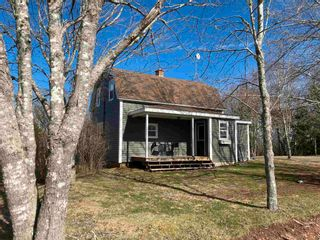 Photo 1: 156 Lamont Road in Telford: 108-Rural Pictou County Residential for sale (Northern Region)  : MLS®# 202108687