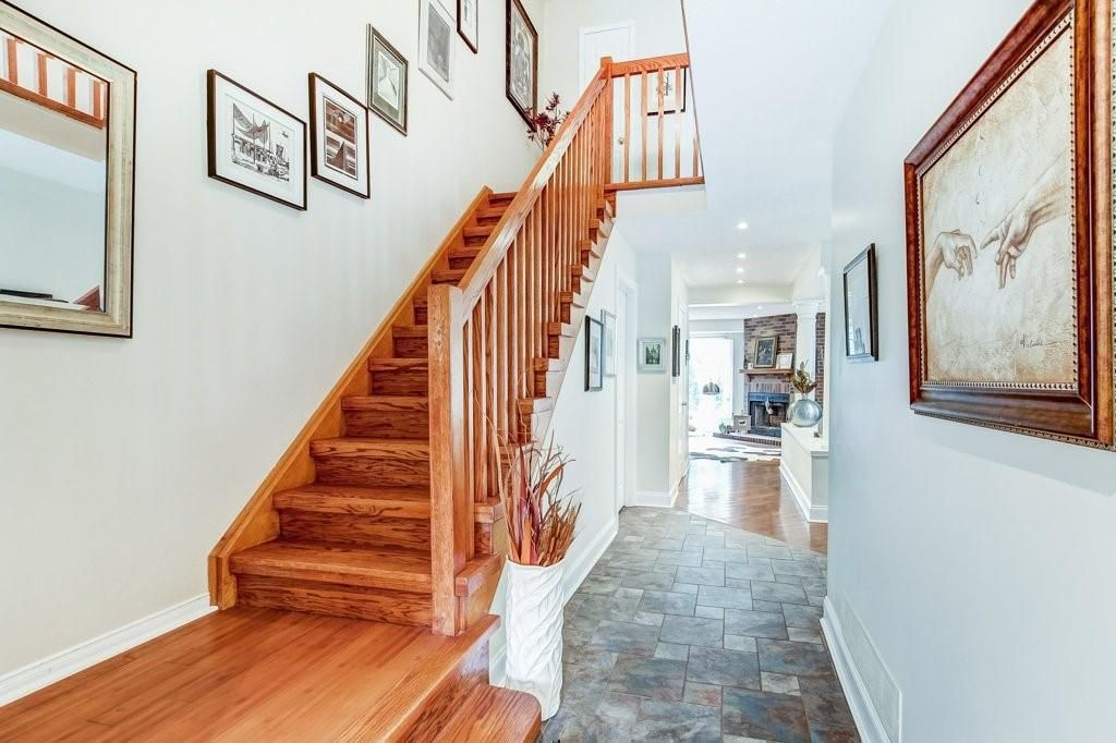 Photo 12: Photos: 23 HARBOUR Drive in Stoney Creek: Residential for sale : MLS®# H4086318