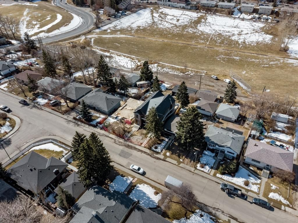 Photo 43: Photos: #1 4207 2 Street NW in Calgary: Highland Park Semi Detached for sale : MLS®# A1111957