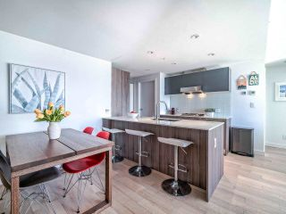 """Photo 6: 706 2221 E 30TH Avenue in Vancouver: Victoria VE Condo for sale in """"KENSINGTON GARDENS BY WESTBANK"""" (Vancouver East)  : MLS®# R2511988"""
