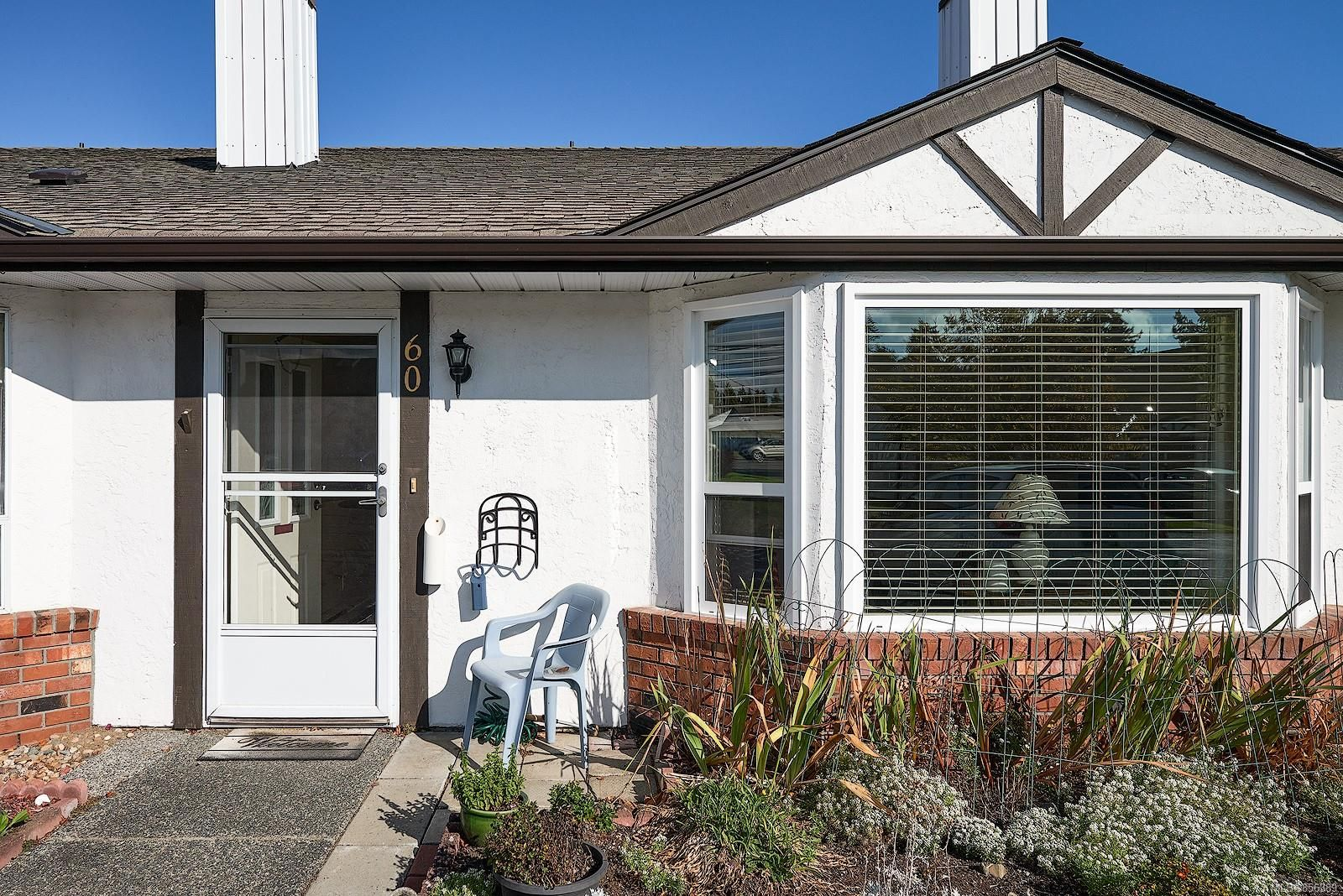 Main Photo: 60 120 N Finholm St in : PQ Parksville Row/Townhouse for sale (Parksville/Qualicum)  : MLS®# 856389