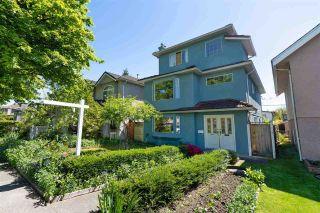 Photo 2: 2564 ADANAC Street in Vancouver: Renfrew VE House for sale (Vancouver East)  : MLS®# R2592836