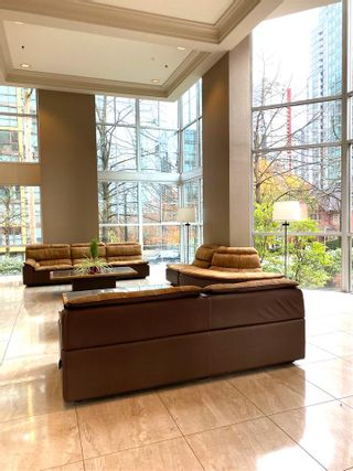 """Photo 14: 1001 717 JERVIS Street in Vancouver: West End VW Condo for sale in """"EMERALD WEST"""" (Vancouver West)  : MLS®# R2420598"""