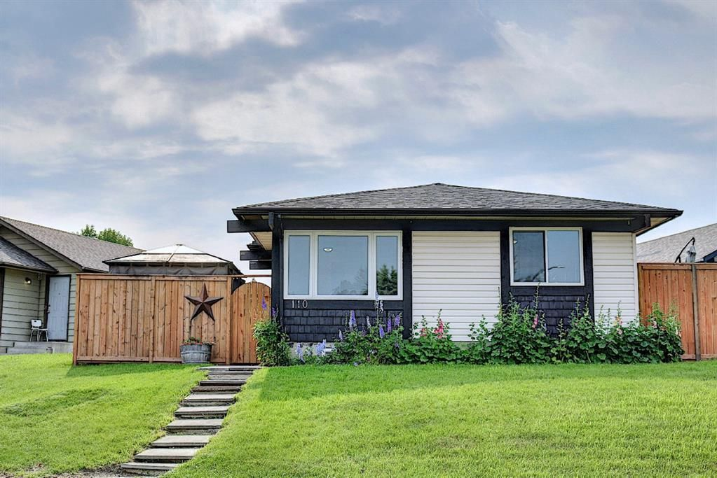 Main Photo: 110 Abalone Crescent NE in Calgary: Abbeydale Detached for sale : MLS®# A1127524