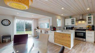 Photo 11: 6417 SAMRON Road in Sechelt: Sechelt District House for sale (Sunshine Coast)  : MLS®# R2536314