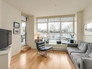 """Photo 5: 209 2250 COMMERCIAL Drive in Vancouver: Grandview VE Condo for sale in """"THE MARQUEE"""" (Vancouver East)  : MLS®# R2253784"""