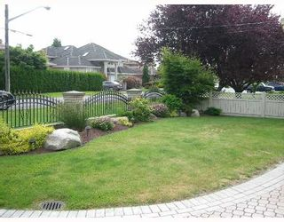 Photo 10: 3851 ROYALMORE Avenue in Richmond: Seafair House for sale : MLS®# V651275