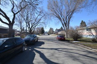 Photo 2: 2708 17A Street NW in Calgary: Capitol Hill Detached for sale : MLS®# A1094236