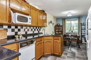 """Photo 10: 7 5925 177B Street in Surrey: Cloverdale BC Townhouse for sale in """"The Gables"""" (Cloverdale)  : MLS®# R2447082"""