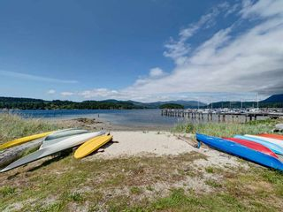 """Photo 8: 5982 BEACHGATE Lane in Sechelt: Sechelt District Townhouse for sale in """"The Edgewater at Porpoise Bay"""" (Sunshine Coast)  : MLS®# R2324336"""