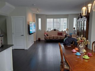 Photo 2: 142 5550 ADMIRAL Way in Ladner: Neilsen Grove Townhouse for sale : MLS®# R2544664