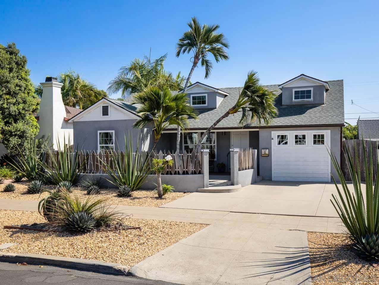 Main Photo: PACIFIC BEACH House for sale : 3 bedrooms : 1261 Diamond Street in San Diego