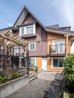 Main Photo: 104 423 EIGHTH Street in New Westminster: Uptown NW Townhouse for sale : MLS®# R2562614