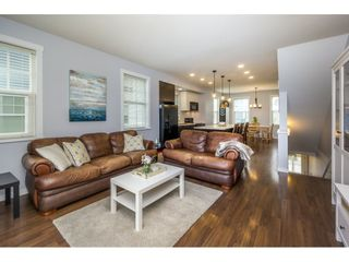 """Photo 7: 29 7348 192A Street in Surrey: Clayton Townhouse for sale in """"KNOLL"""" (Cloverdale)  : MLS®# R2100278"""