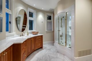 """Photo 24: 13778 MARINE Drive: White Rock House for sale in """"WHITE ROCK"""" (South Surrey White Rock)  : MLS®# R2568482"""