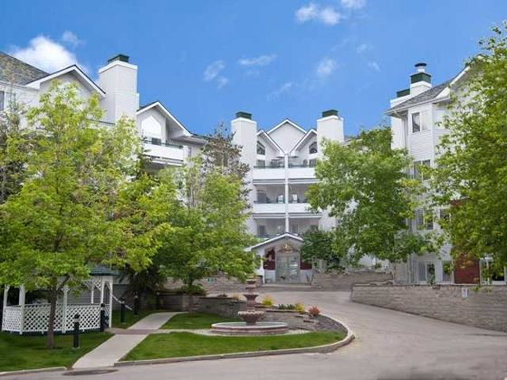Main Photo: 417 - 10 Sierra Morena Mews SW in Calgary: Richmond Hill Condo for sale : MLS®# C3537412