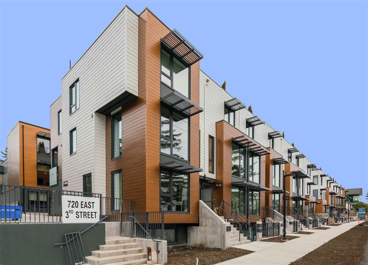 """Main Photo: 26 720 E 3RD Street in North Vancouver: Queensbury Townhouse for sale in """"EVOLV35"""" : MLS®# R2562763"""