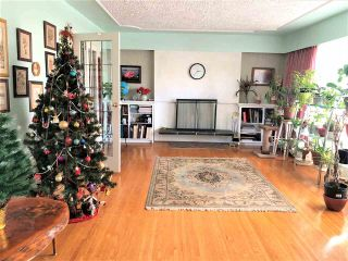 Photo 2: 740 COVINA Court in Coquitlam: Coquitlam West House for sale : MLS®# R2529223