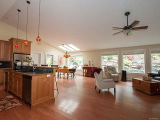 Photo 2: 1960 Rena Rd in NANOOSE BAY: PQ Nanoose House for sale (Parksville/Qualicum)  : MLS®# 759737