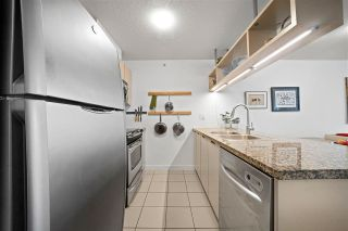 "Photo 3: 701 1082 SEYMOUR Street in Vancouver: Downtown VW Condo for sale in ""Freesia"" (Vancouver West)  : MLS®# R2575077"