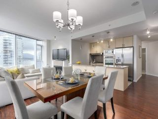 """Photo 10: 1705 1211 MELVILLE Street in Vancouver: Coal Harbour Condo for sale in """"THE RITZ"""" (Vancouver West)  : MLS®# R2173539"""