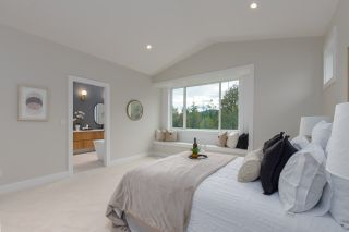 """Photo 16: 40895 THE CRESCENT in Squamish: University Highlands House for sale in """"UNIVERSITY HEIGHTS"""" : MLS®# R2467442"""