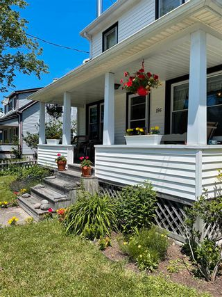 Photo 2: 196 Mowatt Street in Shelburne: 407-Shelburne County Residential for sale (South Shore)  : MLS®# 202118396