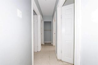 Photo 17: 427 College Avenue in Winnipeg: North End Residential for sale (4A)  : MLS®# 202110127