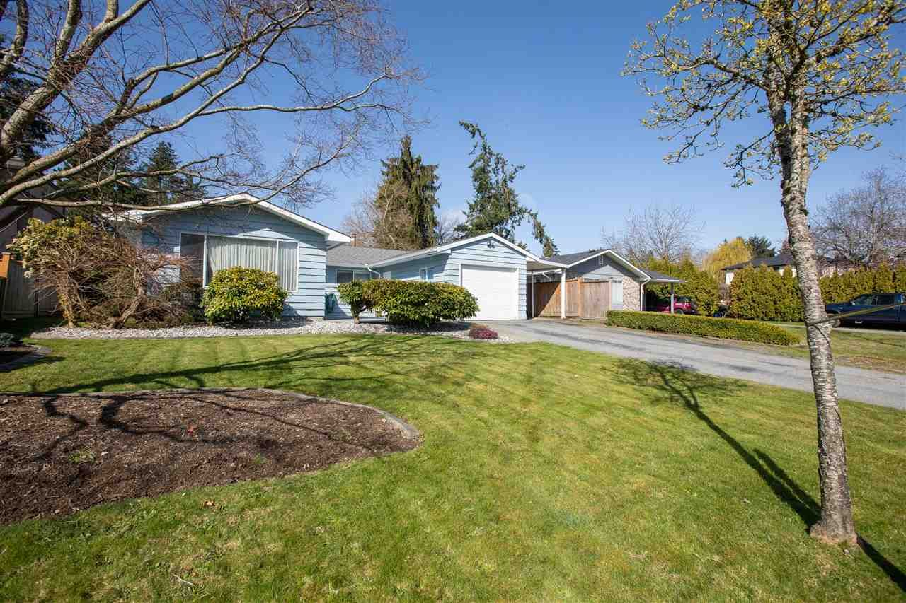 Main Photo: 9331 WALLACE Crescent in Surrey: Queen Mary Park Surrey House for sale : MLS®# R2559456