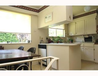 """Photo 5: 876 55A Street in Tsawwassen: Tsawwassen Central House for sale in """"TSAWWASSEN CENTRAL"""" : MLS®# V779000"""
