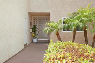 Photo 4: PACIFIC BEACH House for sale : 5 bedrooms : 2409 Geranium in San Diego