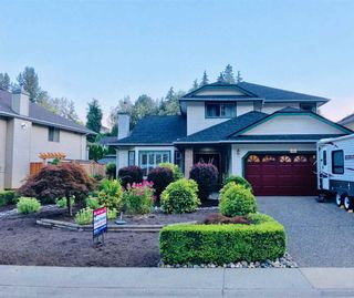 Photo 1: 23681 108 LOOP in Maple Ridge: Albion House for sale : MLS®# R2315625