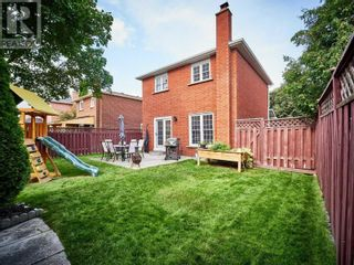 Photo 6: 18 LINDEN LANE in Whitchurch-Stouffville: House for sale : MLS®# N5400142